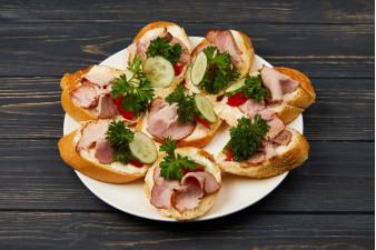 Бутерброд з шинкою